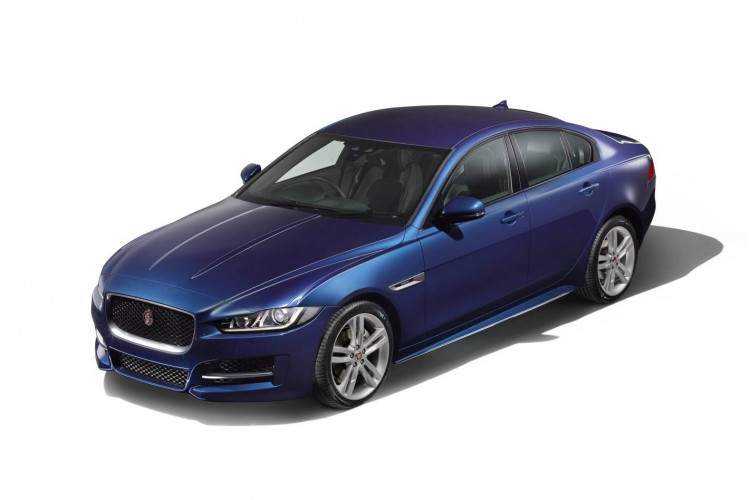 Jaguar XE Saloon 2.0i 200PS R-Sport